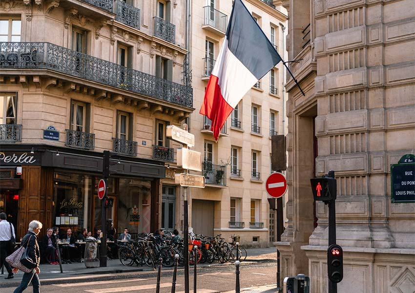 French Cities Many Classical Buildings With Residential Apartments For Rent
